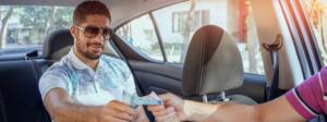 Uber planea cobrar en efectivo