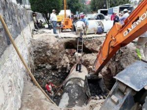 Reparan fuga de agua en la colonia CTM Atzacoalco
