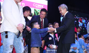 Garantiza GCDMX presupuesto para becas escolares a ...