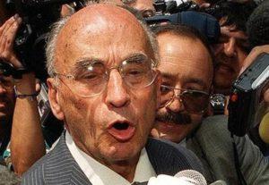 Luis Echeverría Álvarez, de 96 años, es el pres ...